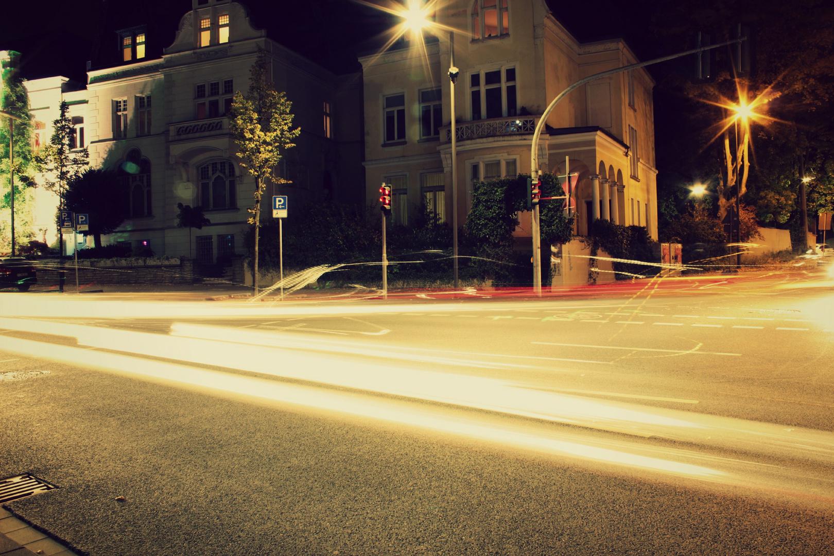 Eine Langzeit belichtete Straße