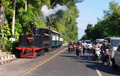 Eine Sächsin fährt Straßenbahn in Solo/Indonesien