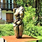 ... eine Skulptur von Helga Kaes -