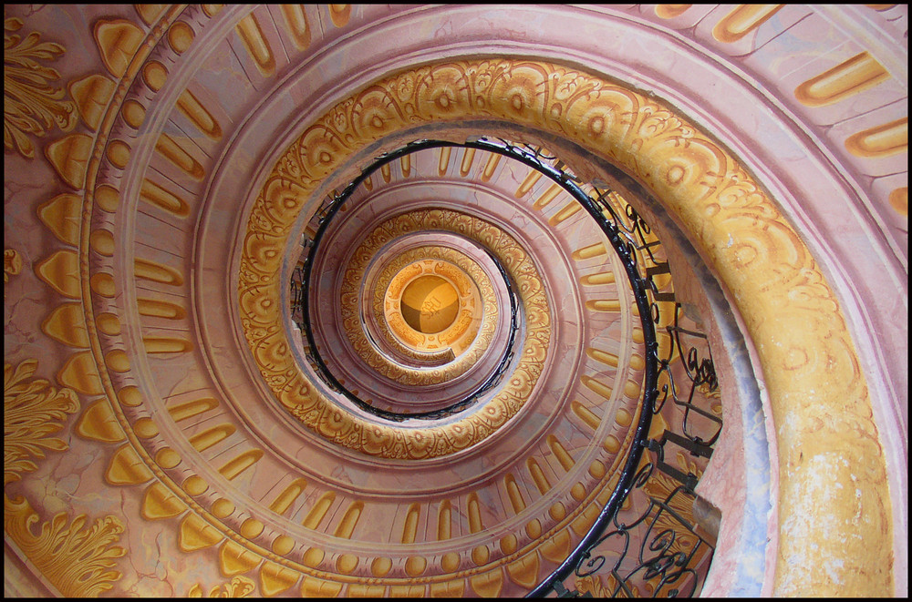 ... eine spiralende spiralentreppe ...