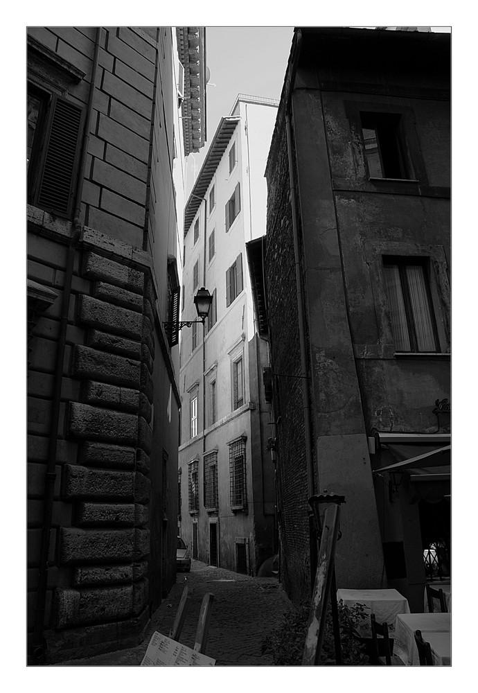 Eine Straße von hinten