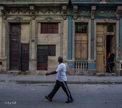 Eine Straßenszene in Havanna