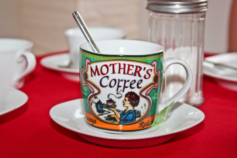 eine tasse kaffee mit tee drin foto bild m bel. Black Bedroom Furniture Sets. Home Design Ideas