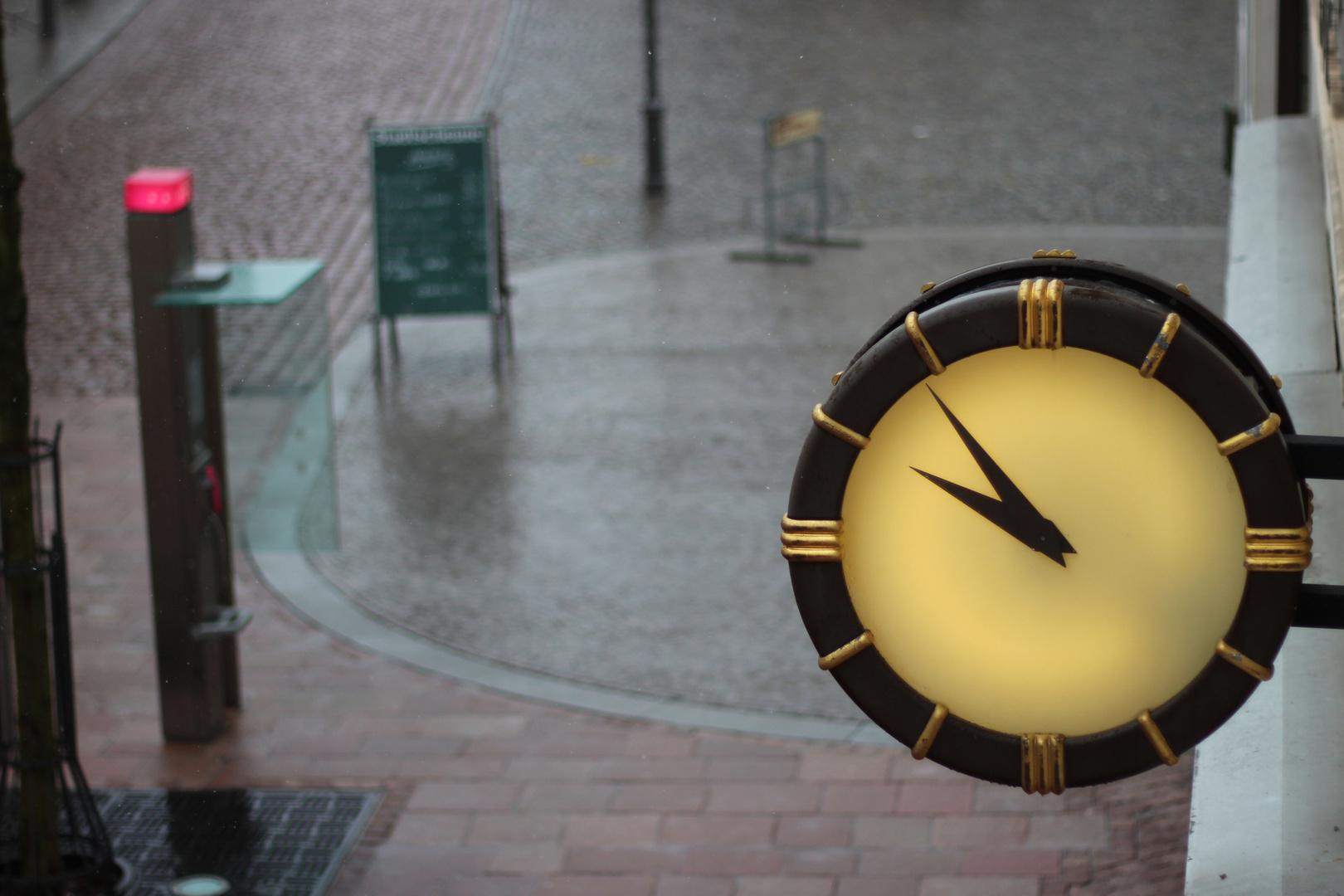 Eine Uhr