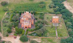 ...EINE von ganz vielen in Bagan...