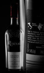 Einen schweren Wein schenkt man guten Freunden ein......