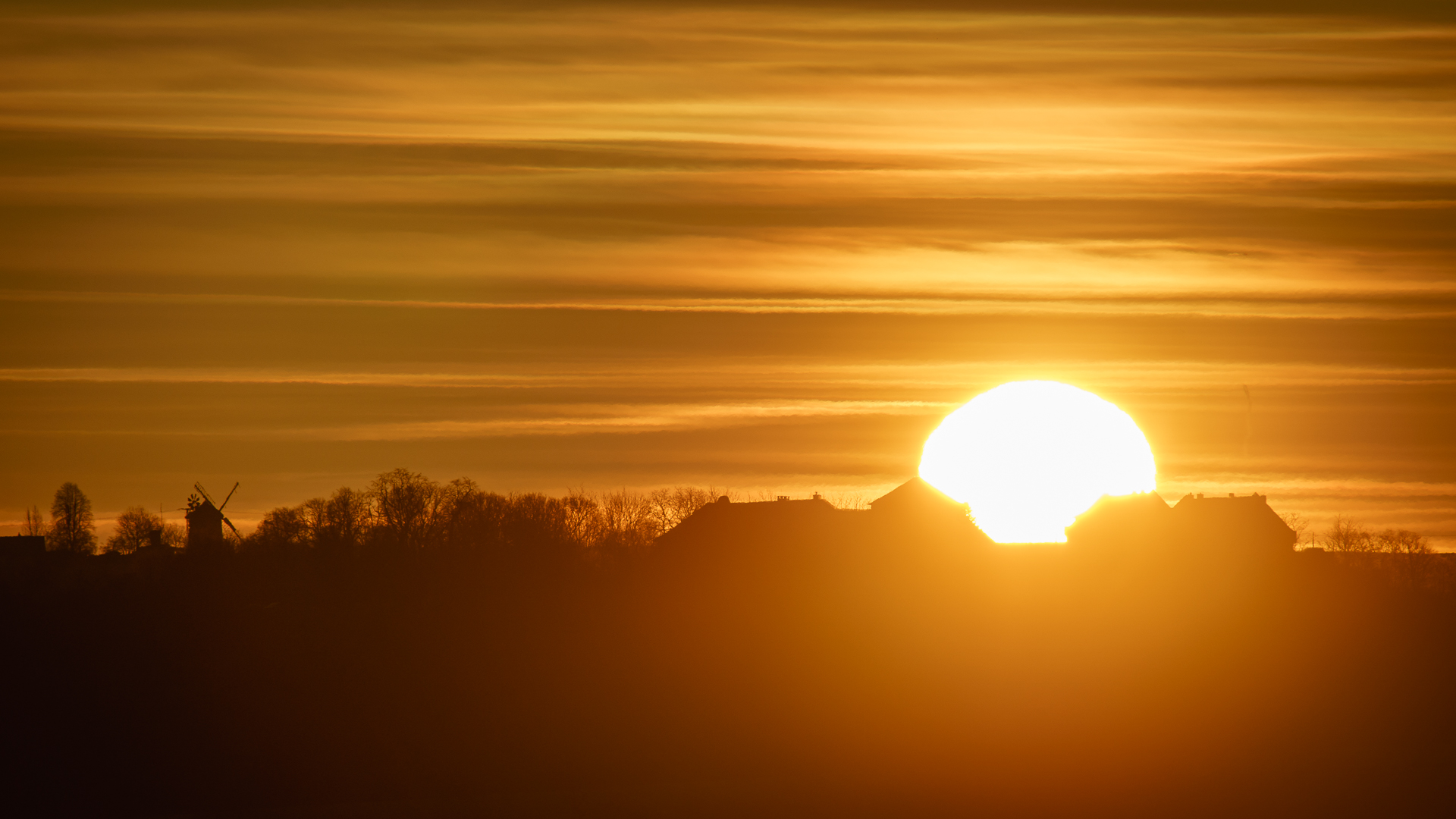 Einen Sonnenaufgang hnter der Konradsburg
