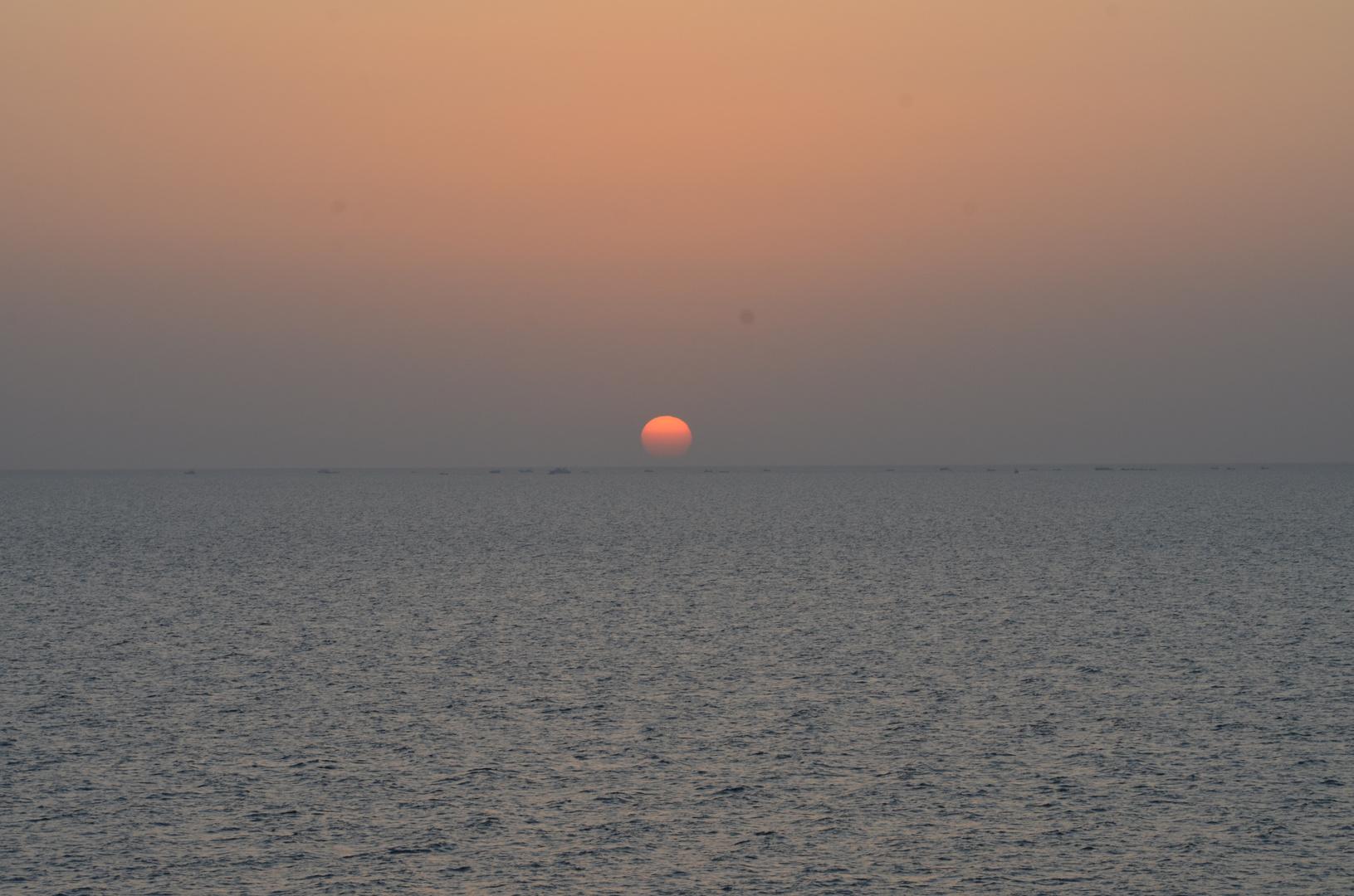 Eines der ersten Bilder des Sonnenaufgangs in Hurghada.