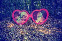 Einfach alles durch eine rosafarbene Brille zu sehen, nützt in der Tat auf lange Sicht nichts