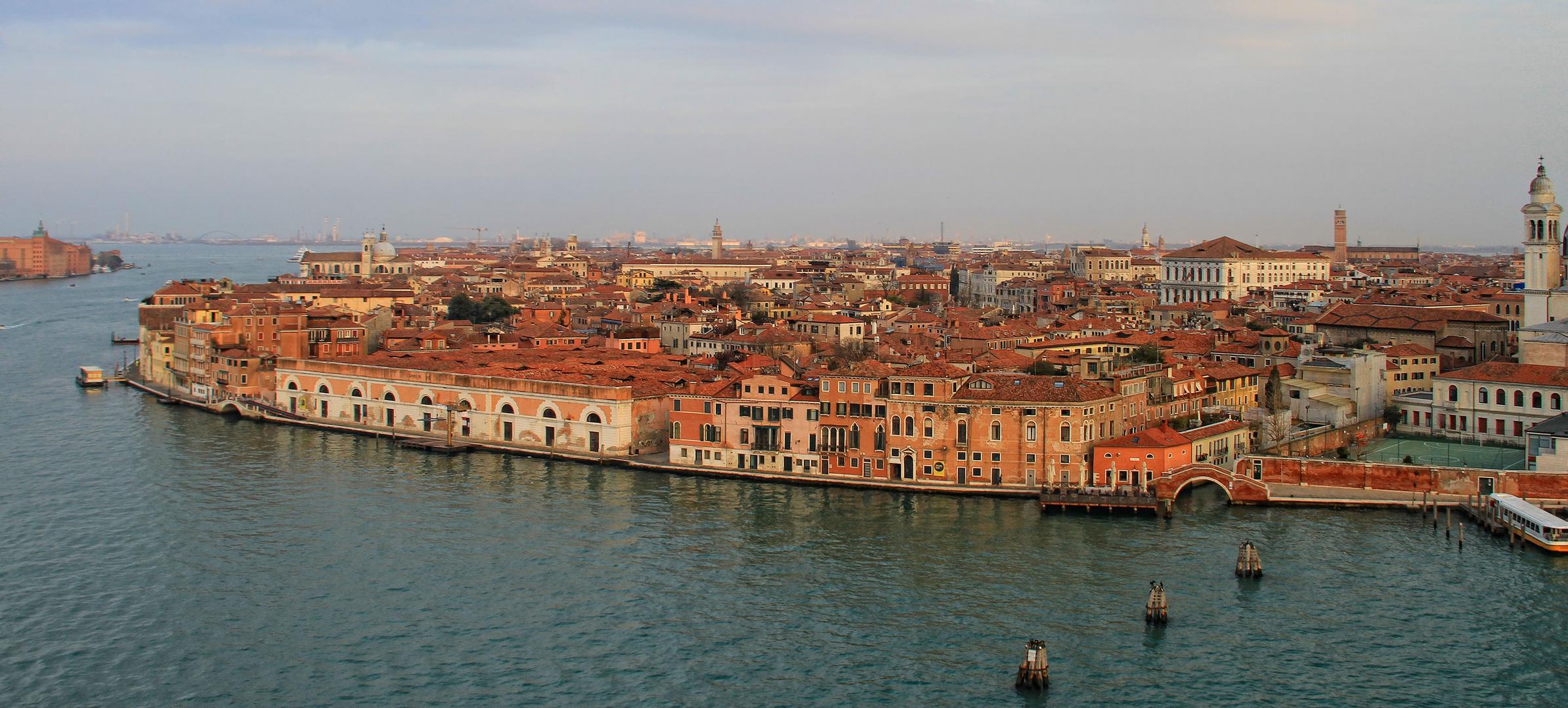 Einfahrt in Venedig 4