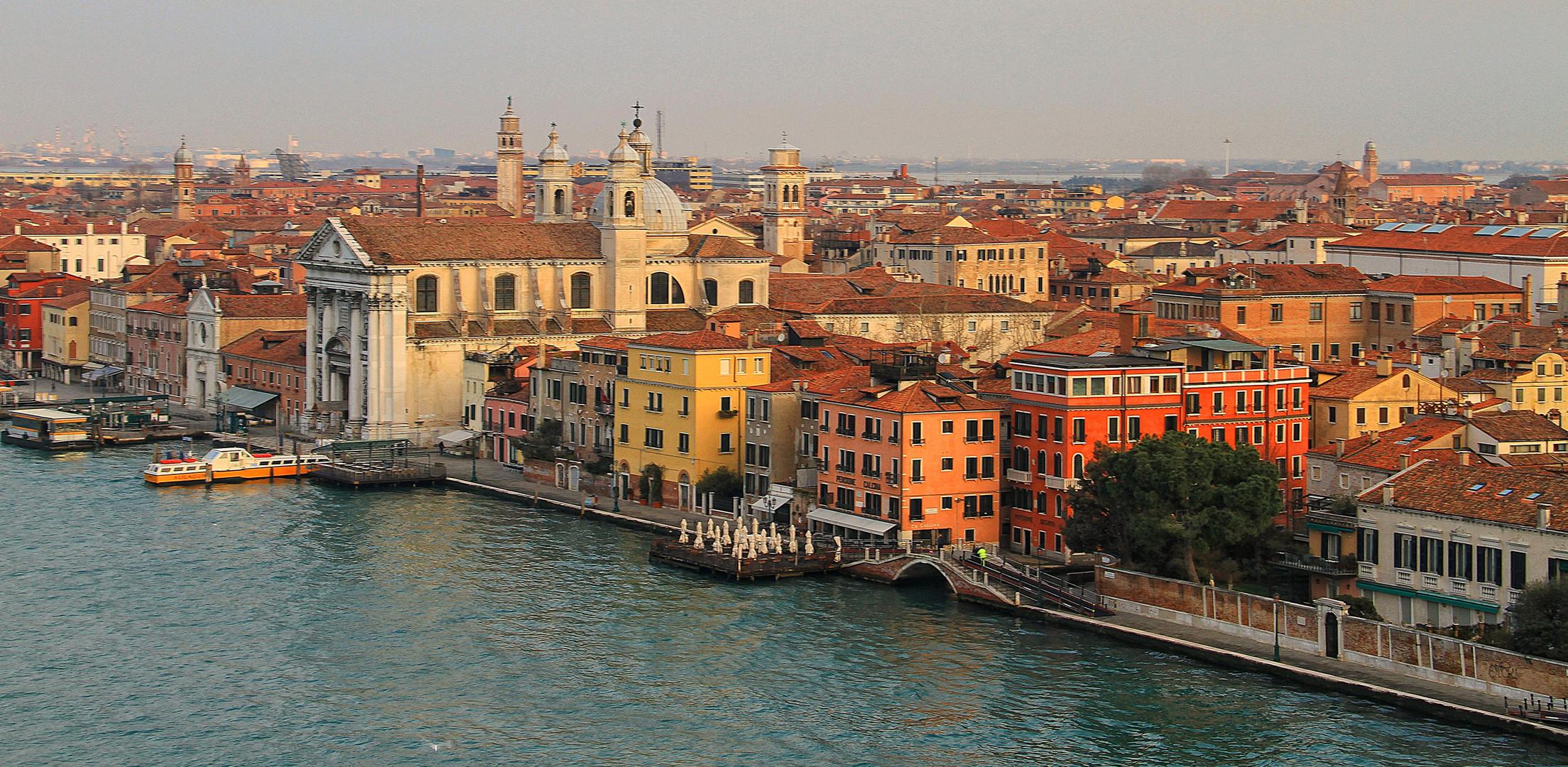Einfahrt in Venedig