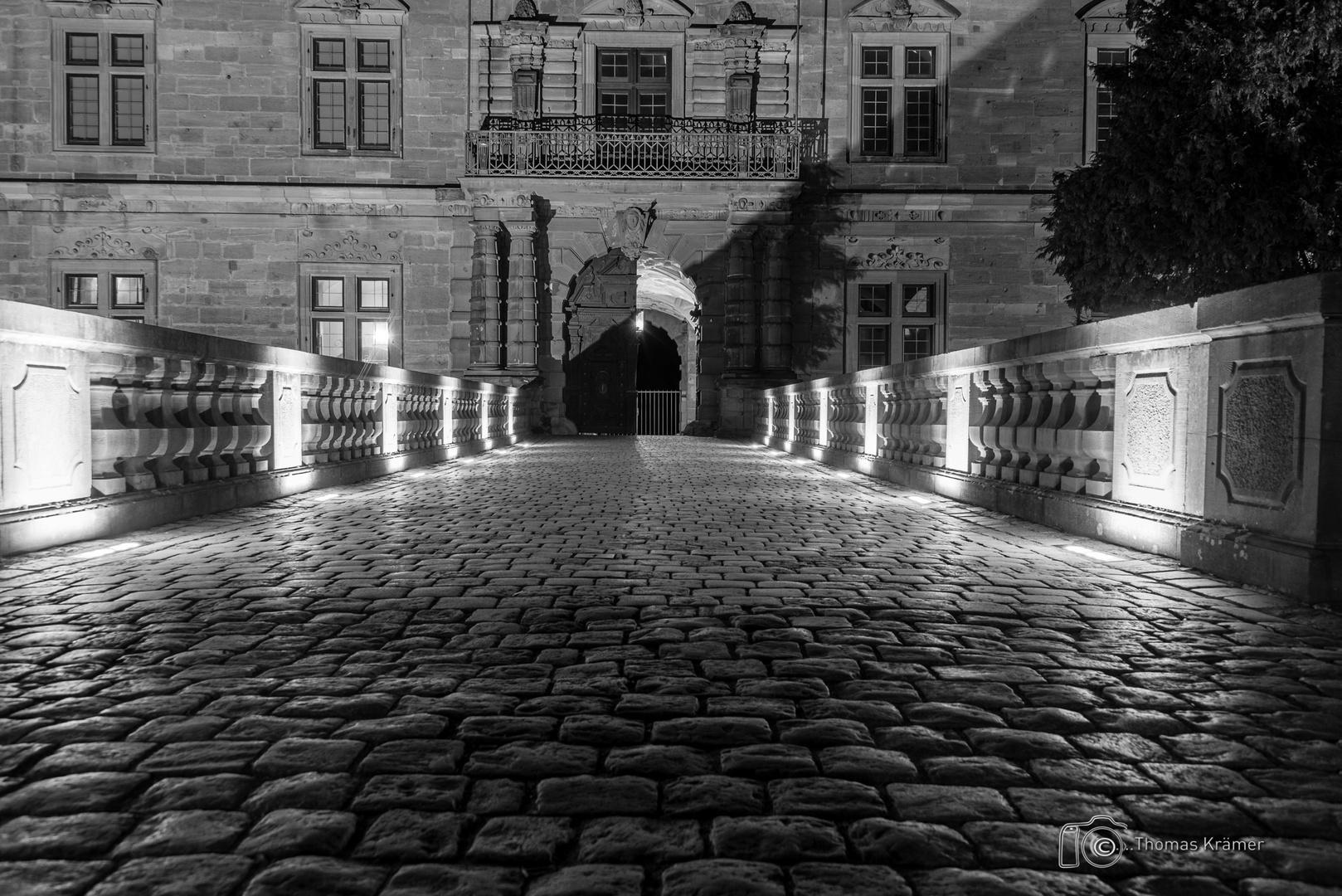 Eingang Schloss Johannisburg - SW D75_2053