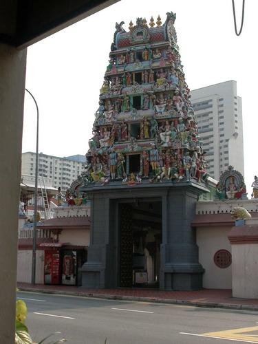 Eingang zum Indischen Tempel in Singapur