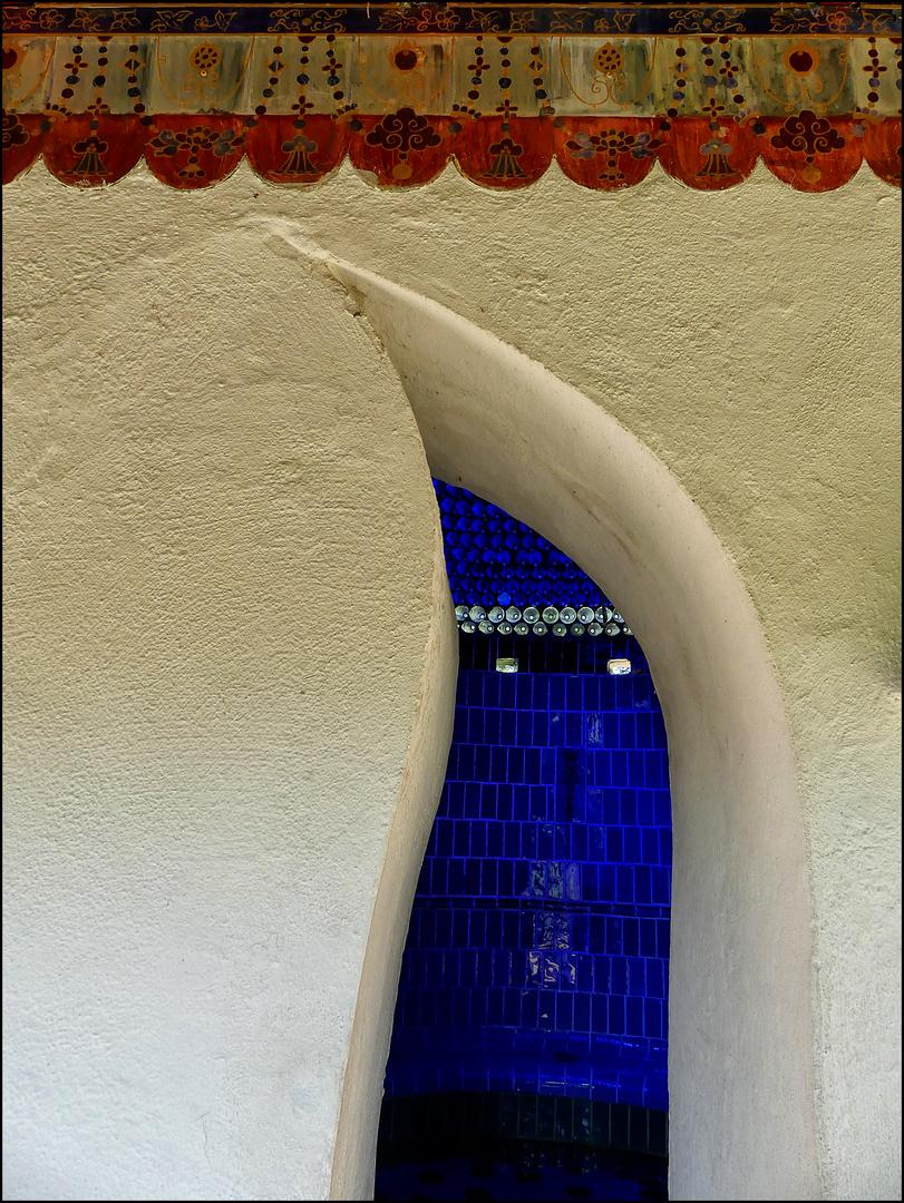 Eingang zur Blauen Grotte ...