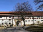 Eingangstor zum Schloss Henneckenrode