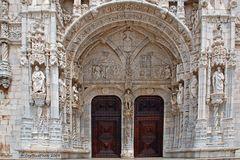 Eingangstür zum Mosteiro dos Jeronimos in Lisboa