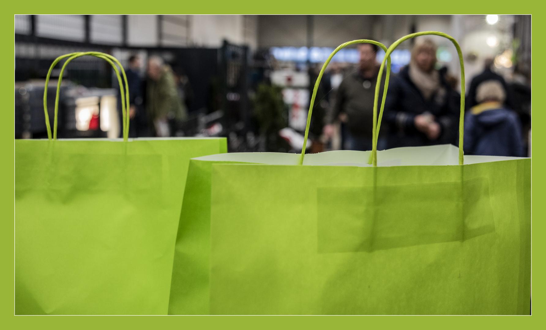 Einkaufen ist gefährlich und anstrengend