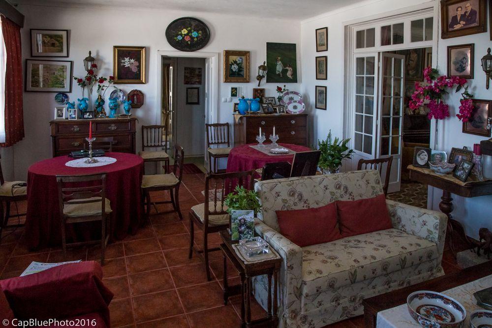 Einladung bei einer Ananas Baronin in Capelas