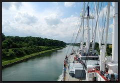 ...Einmal durch den Nord-Ostsee-Kanal...