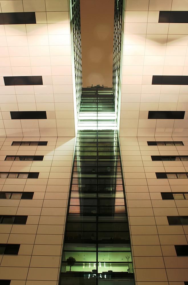 Eins der drei Kranhäuser in Köln (5)(24.02.2012)
