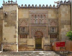 Eins der vielen Moschee-Tore