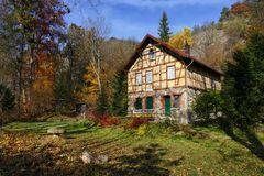 Einsames Haus im Leutratal