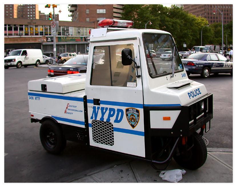 Einsatzfahrzeug der New Yorker Polizei.....