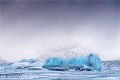 Eis mit Landschaft