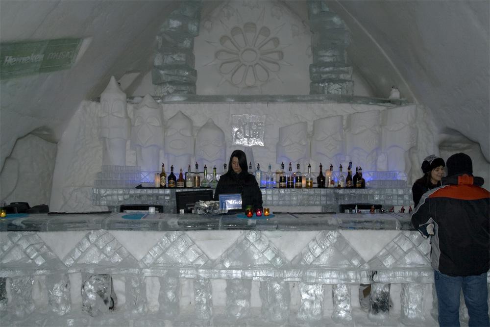 Eisbar im Eishotel Québec