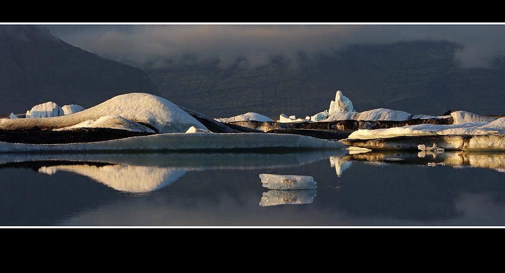 Eisberge im Jökulsalon