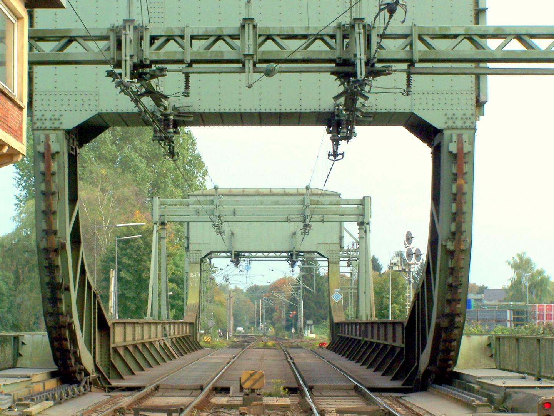 Eisenbahn-Rollklappbrücke über die Hunte in Oldenburg