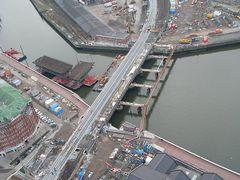 Eisenbahnbrücke am Oberhafen