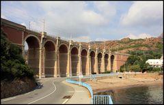 Eisenbahnbrücke an der Côte d' Azur