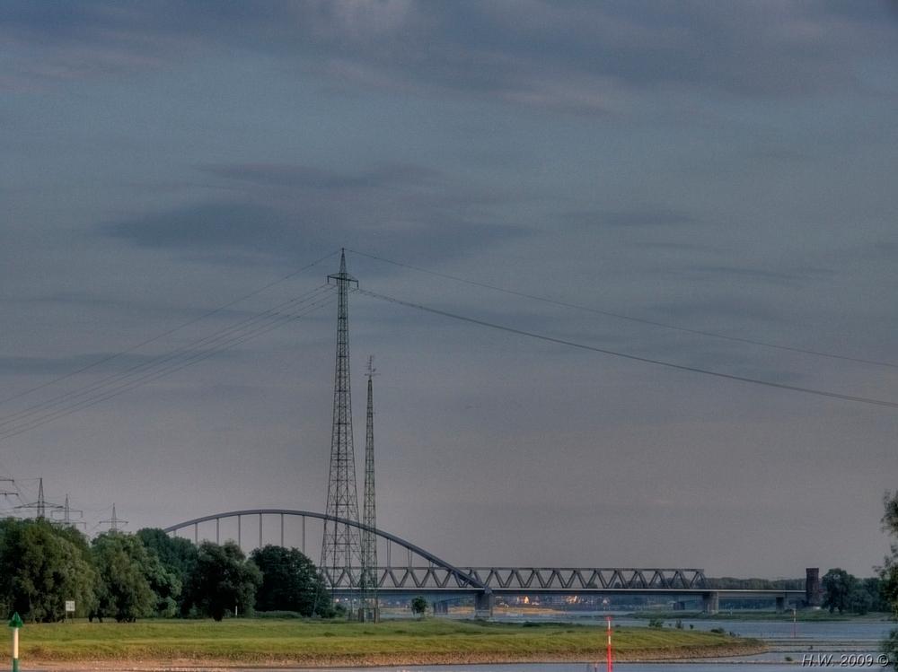Eisenbahnbrücke bei Neuss