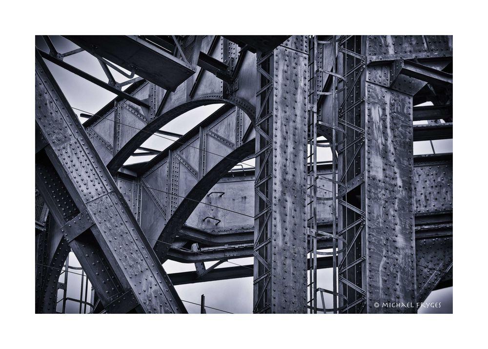 Eisenbahnbrücke..........