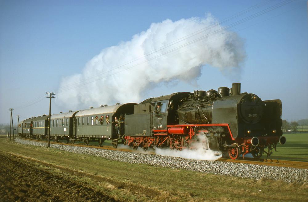 Eisenbahnkurier - Sonderzug bei Uelde im Dezember 1977