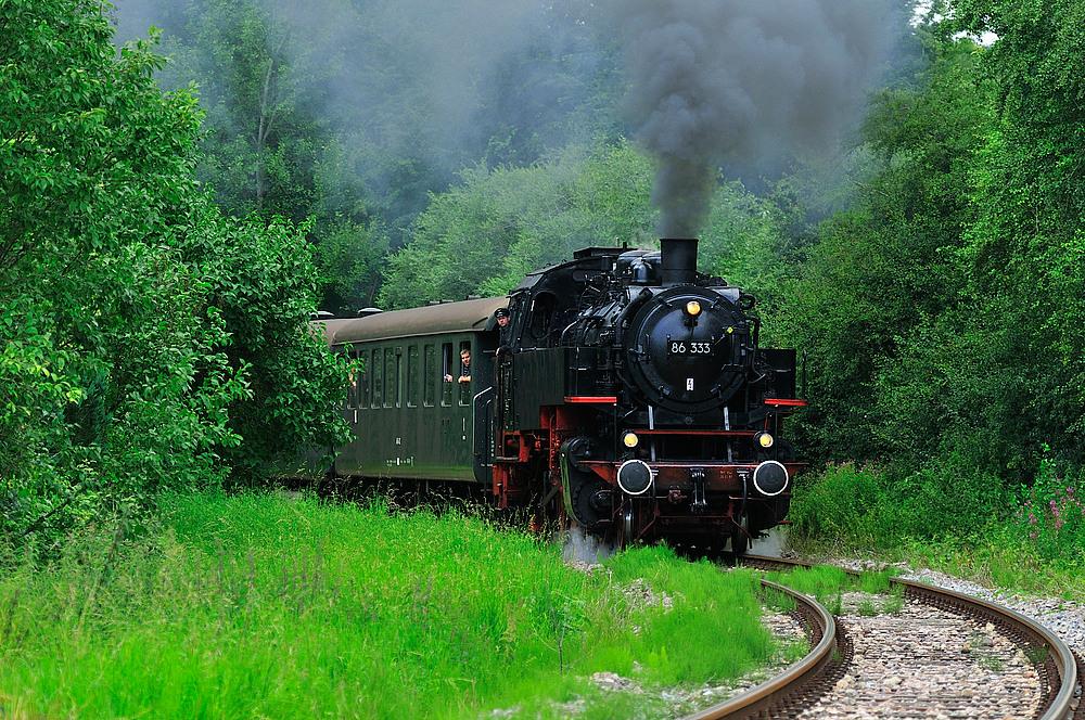 Eisenbahnromantik auf der Sauschwänzlebahn in Blumberg or looking forward