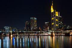 Eiserner Steg und Skyline von Frankfurt (reloaded)