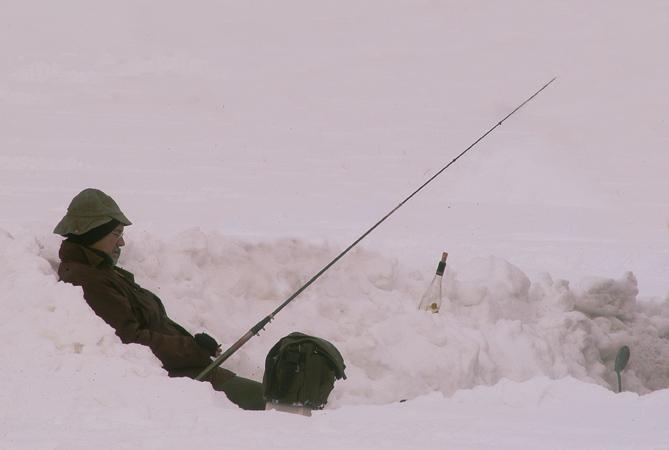 Eisfischen in der Auvergne
