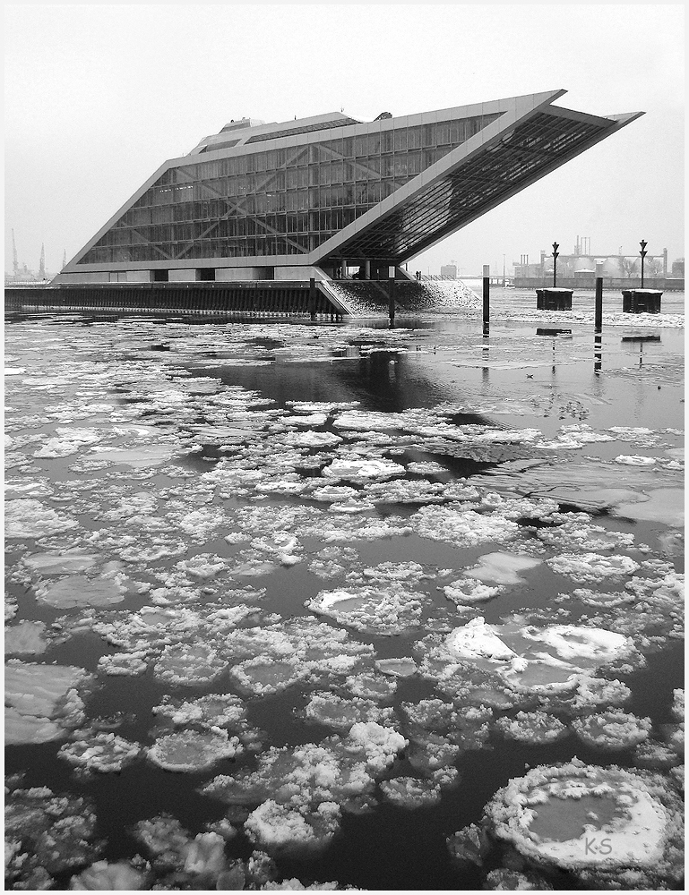 Eisgang mit Dockland