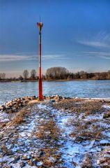 Eisige Kälte am Rhein
