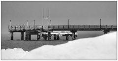 eisige Seebrücke
