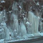 eisige Wasserfälle