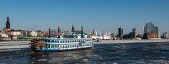 eisiger Hafen
