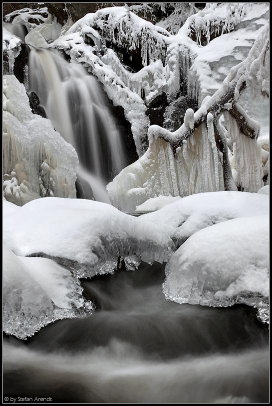 Eisiger Wasserfall II