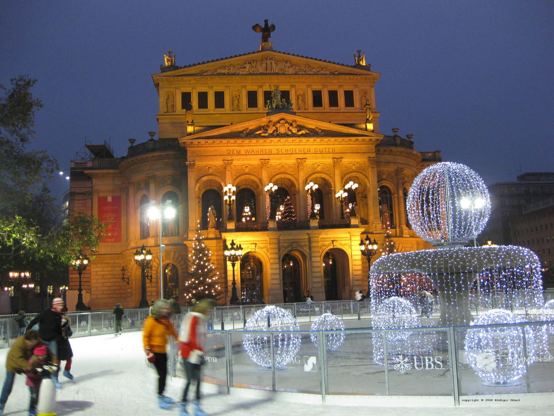 """Eislaufen vor der """"Alte Oper"""" Frankfurt am Main, 09.12.2008"""