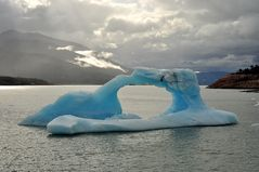 Eisschiff auf dem Lago Argentino