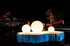 Eisscholle mit Lichtkugeln
