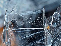 Eisstrukturen bleiben auch heute noch ein Geheimnis. - Les structures de glace restent une énigme.