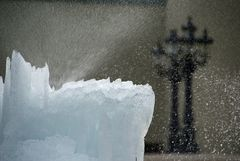 Eiswelt Tinguely-Brunnen